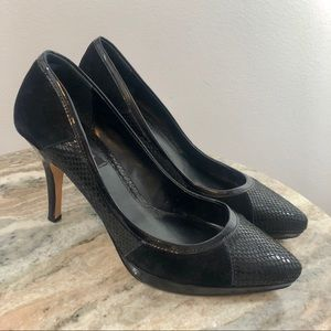 White House Black Market Heels size 8.5 suede